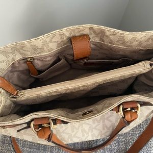 Michael Kors Bags - Mk Large Hamilton